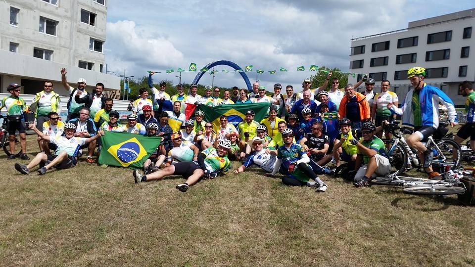 registro do encontro dos brasileiros em 2015 - Paris Brest Paris 2015